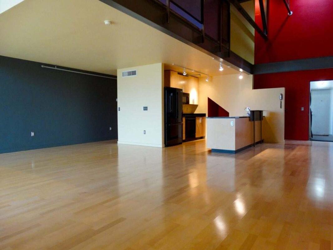 Ice House Loft 215 Greatroom