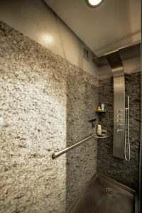 Ice House 115 Modern Shower