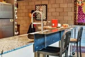 Ice House 115 Kitchen Breakfast Bar