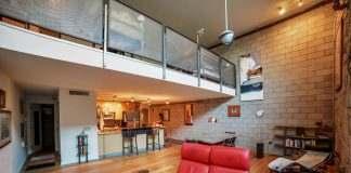 Ice House 115 Greatroom